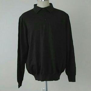A Nordstrom Fine Wool Dark Gray Sweater